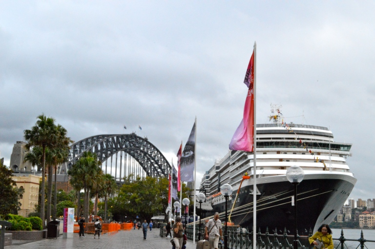 There is ALWAYS a cruise ship in the Sydney Harbour. They are literally traded out every day, and I would LOVE to take a cruise to Sydney! Where do i sign up? I am already dying to go back!