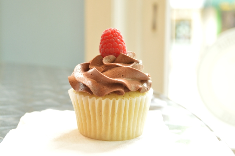 Alexandria Cupcake! Probably my favorite cupcake of all. This was a vanilla rasberry cupcake with milk chocolate frosting.