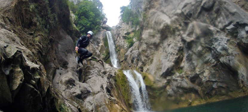 Split, Croatia: Extreme Canyoning on the Cetina River